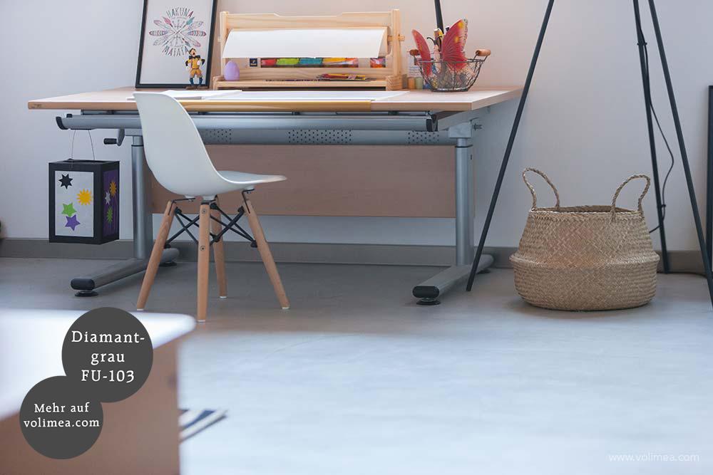 Mikrozement fugenlose Futado Wand und Bodenbeschichtung am Kamin im Kinderzimmer - Diamantgrau FU-103